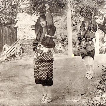 大原女(おおはらめ)の薪売り