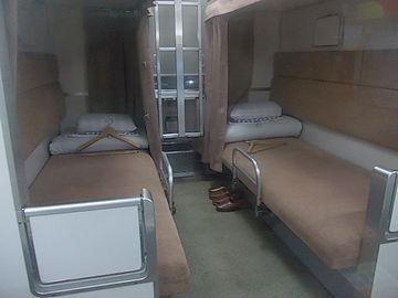 """こちらは、上下2段の""""B寝台""""。女性専用のボックスもあります。"""