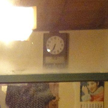 時計は、6時半過ぎ