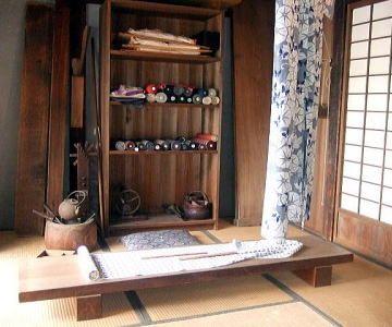 大正時代の仕立屋の仕事場を再現したもの(『江戸東京たてもの園』)
