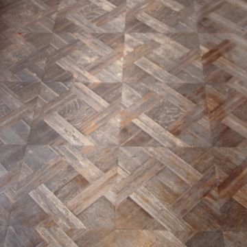 この床って、建築当初からのもの?