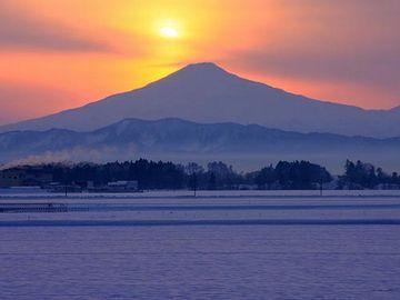 出羽富士とも呼ばれる鳥海山