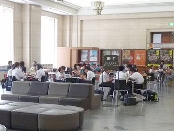 東京国立博物館の修学旅行生