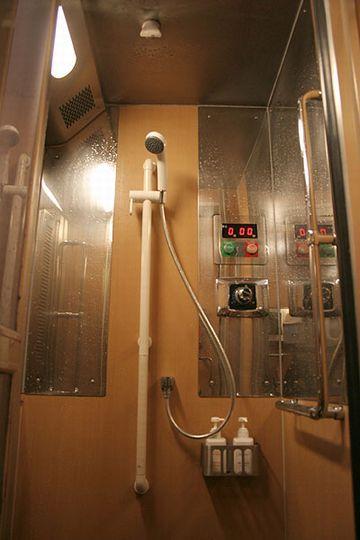 「寝台特急サンライズ出雲」シャワー室