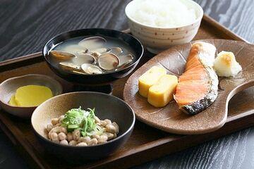 日本の朝食に、お味噌汁は欠かせません