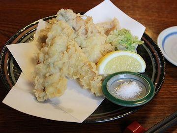 天ぷらを塩で食べさせるようです