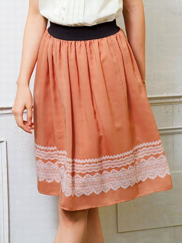 女性のスカートは、フレアかなにかよ