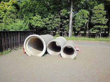 空き地と土管