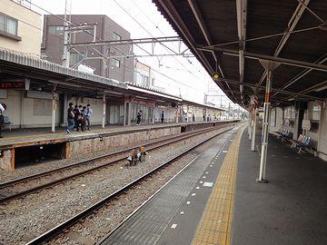 反対側に見えるホームが、『高田馬場』『西武新宿』方面です