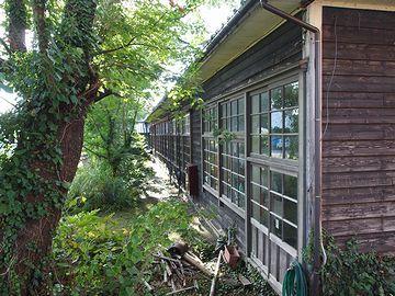 『小木民俗博物館』。大正9年に建てられた旧宿根木小学校をそのまま利用してます。行ってみたい!