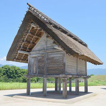 高床式倉庫(『吉野ヶ里遺跡』復元)