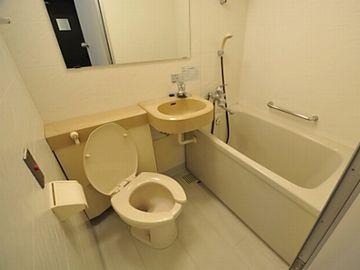 「お風呂と洗面台とトイレが一緒」のものは、3点ユニット