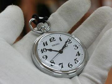 電卓と時計の秒針があれば、列車の速度は一瞬でわかります