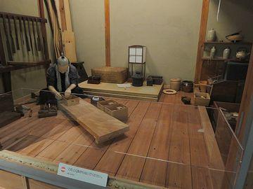 『江戸東京博物館』で見たのは、建具屋