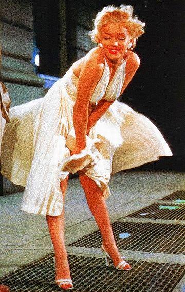 スカートのめくれるマリリンモンロー