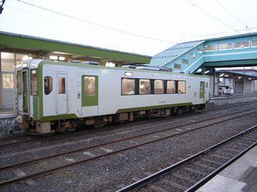 1両編成の大湊線(野辺地駅)