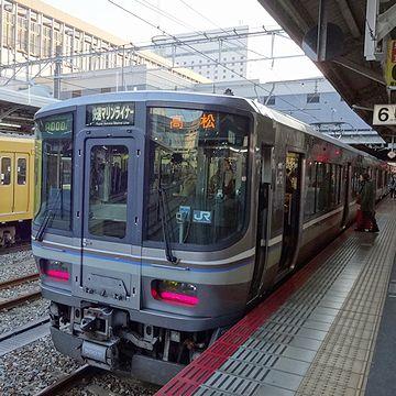 瀬戸大橋線快速【マリンライナー】やっぱり、普通電車とは少し格が違います。