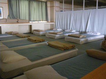仮眠室宿泊コースがあります