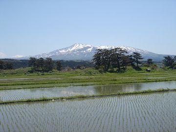 象潟から見た鳥海山