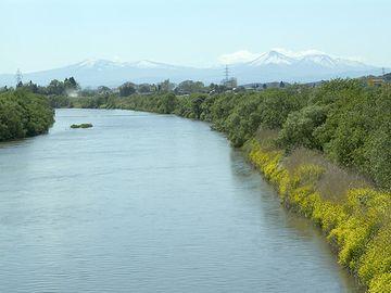 奥入瀬川の下流域に拓けた町です
