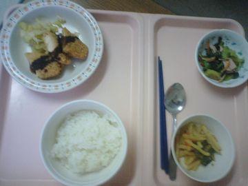 同日の夕食全景
