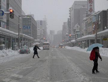 """冬の新潟市。雪の『古町(ふるまち)』界隈。わたしは小さいころ、""""雪の降る町""""だと思ってました。"""