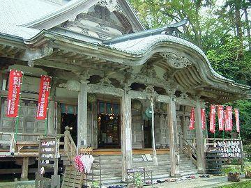 円覚寺本堂。よく燃えそうです