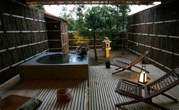 「高山の花扇」客室露天風呂