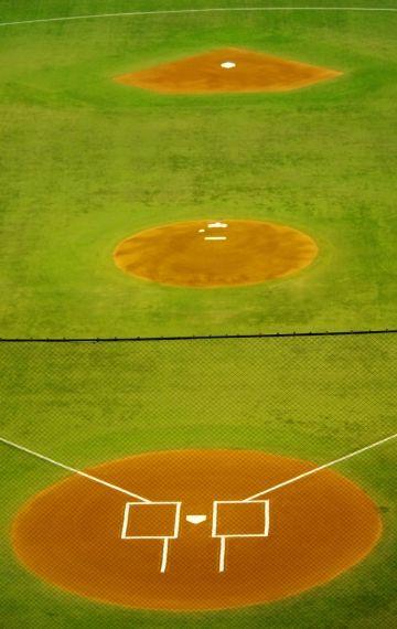 ホームベースから二塁までは、何メートルでしょうか?