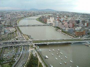 新潟は、信濃川の河口
