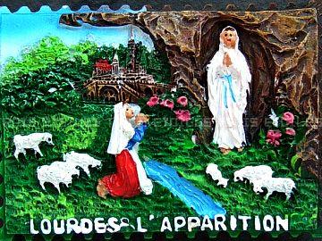山で薪を拾ってるときに、聖母マリアが現れたという話
