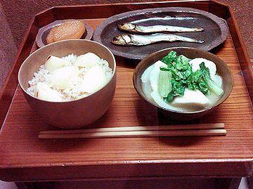 薩摩武士の食卓。お味噌汁が美味しそうです。