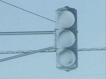 ライトに雪が付着し、見えなくなってしまうんです