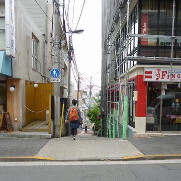 「神楽坂」脇道