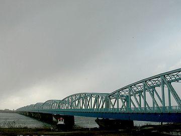 橋の長さも1キロ近くあるのよ
