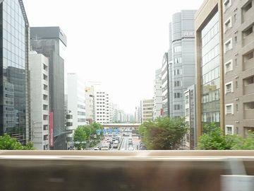 『上野』と『東京』の間