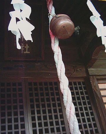 神社のガラガラ