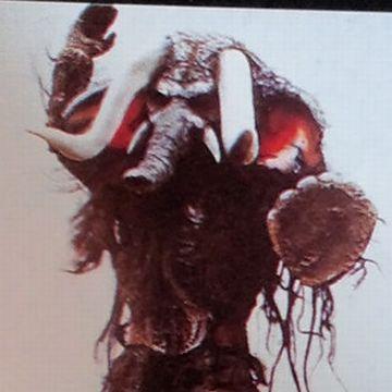 仮面ライダーV3に登場した『吸血マンモス』。どうやって血を吸うんだ?
