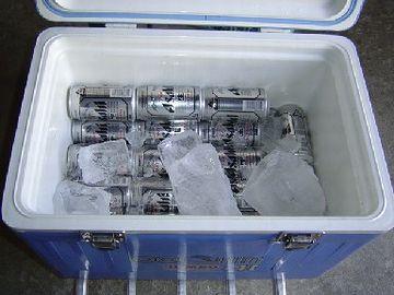 缶なら、氷を入れたクーラーボックスでいいでしょ