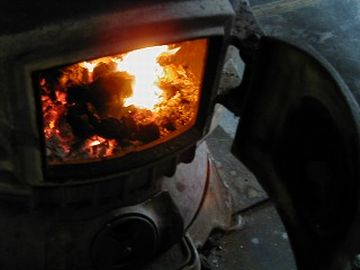 小さな炎ってのは、見てるだけで楽しいものです