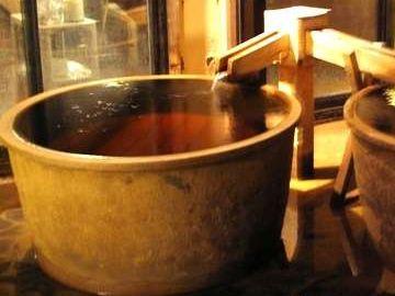 お湯が茶色いから、お出汁が出てるみたい