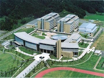 秋田県立大学とか