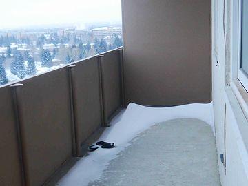 カナダのベランダ。氷点下20度だそうです。