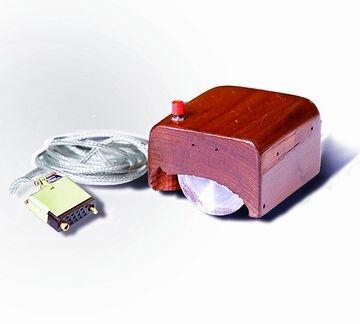 木製のマウス