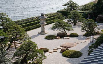 「皆美館」庭園