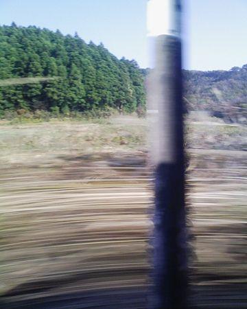 乗ってる列車のスピードとか、計算できて