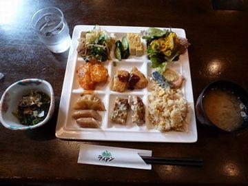 昼食バイキング(1,000円)