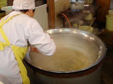 やっぱり、大鍋で煮てるから味が違いますよ