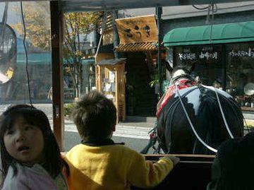 宇奈岐日女神社の一の鳥居を左折