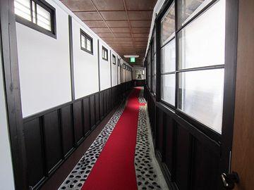 小野川温泉(山形県米沢市)『亀屋万年閣』さんの長い廊下